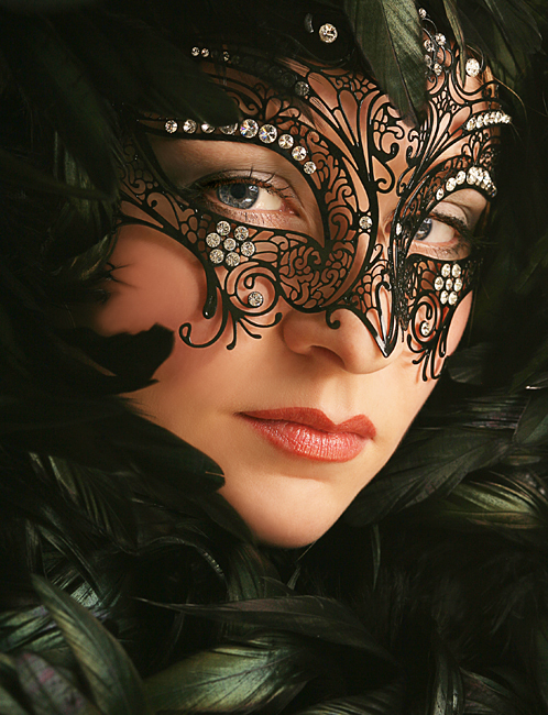 I love the mask and her eyes!