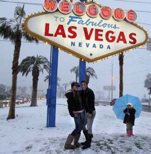 Snow in Vegas on 12-17-08!!
